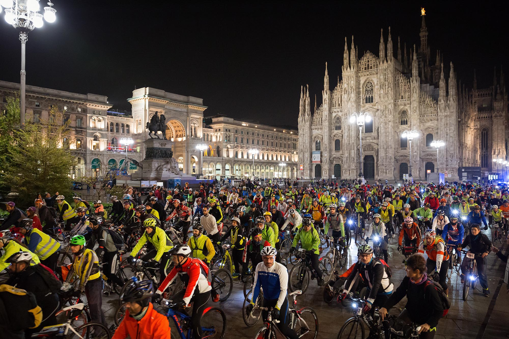 Bike Night Milano - Lago Maggiore - Witoor  d39ca8d4d6b5